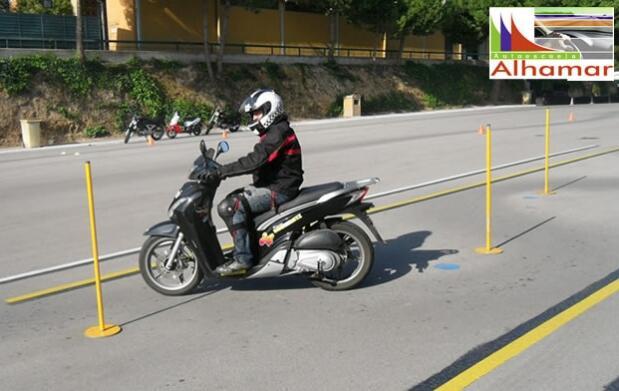 Carnet de coche o moto en Autoescuela Alhamar