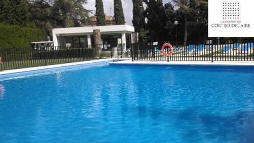 Entrada para la piscina de cortijo del aire por for Entrada piscina