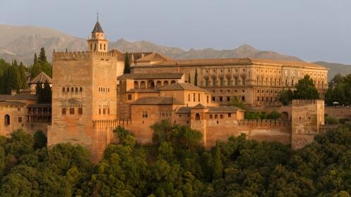 2 noches para 2 ó 4 personas alojamiento rural a 6 km de la Alhambra