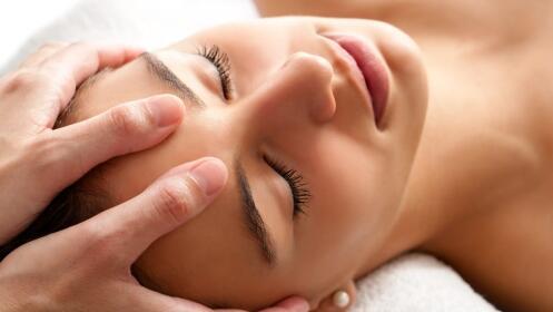 Sesión de masaje relajante, descontracturante o champi