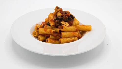 Menú italiano para 2 con pasta y pizza + entrante + postres + bebidas
