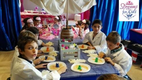 Fiesta de cumpleaños temática para 10 niños