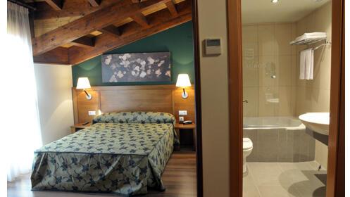 Habitación doble superior, viaje relax en pareja