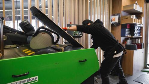 Taller para el mantenimiento de tabla de snow o esquíes