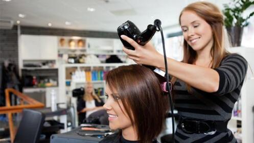 Sesión peluquería con corte + peinado, opción mechas