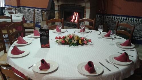 Menú de otoño para 2 con entrantes + principal + 2 bebidas en Huétor Vega