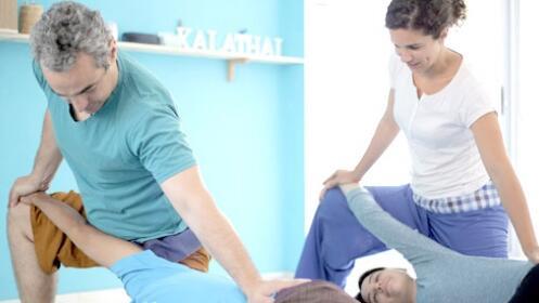 Masaje tailandés con aromaterapia, reflexología y masaje facial