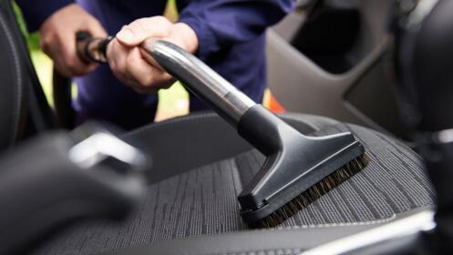 Limpieza interior completa + tapicería + maletero en parking La Caleta