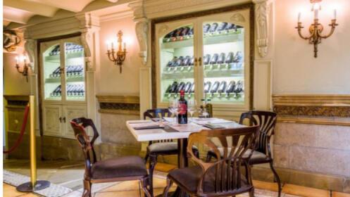 Tabla de quesos + botella de vino (productos de Granada) para 2